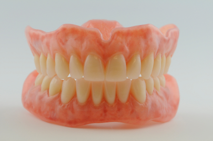 alsó-felsö kivehetö fogsor